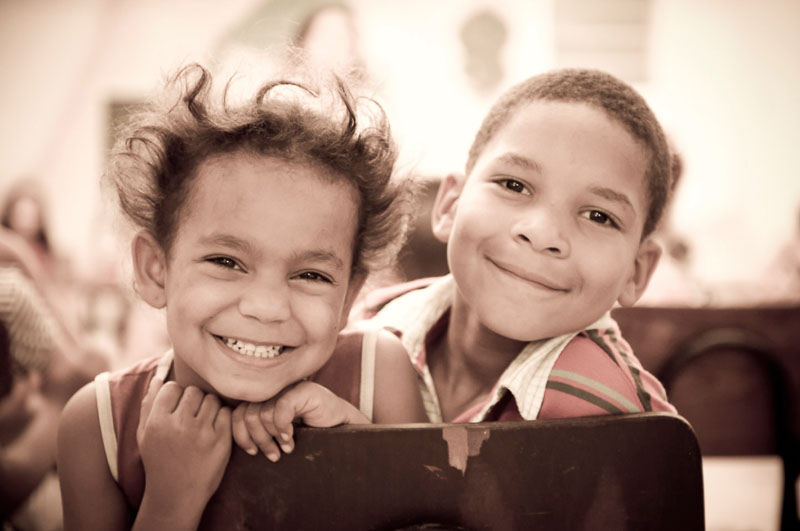 brother-sister-brazil-child-photography-tips